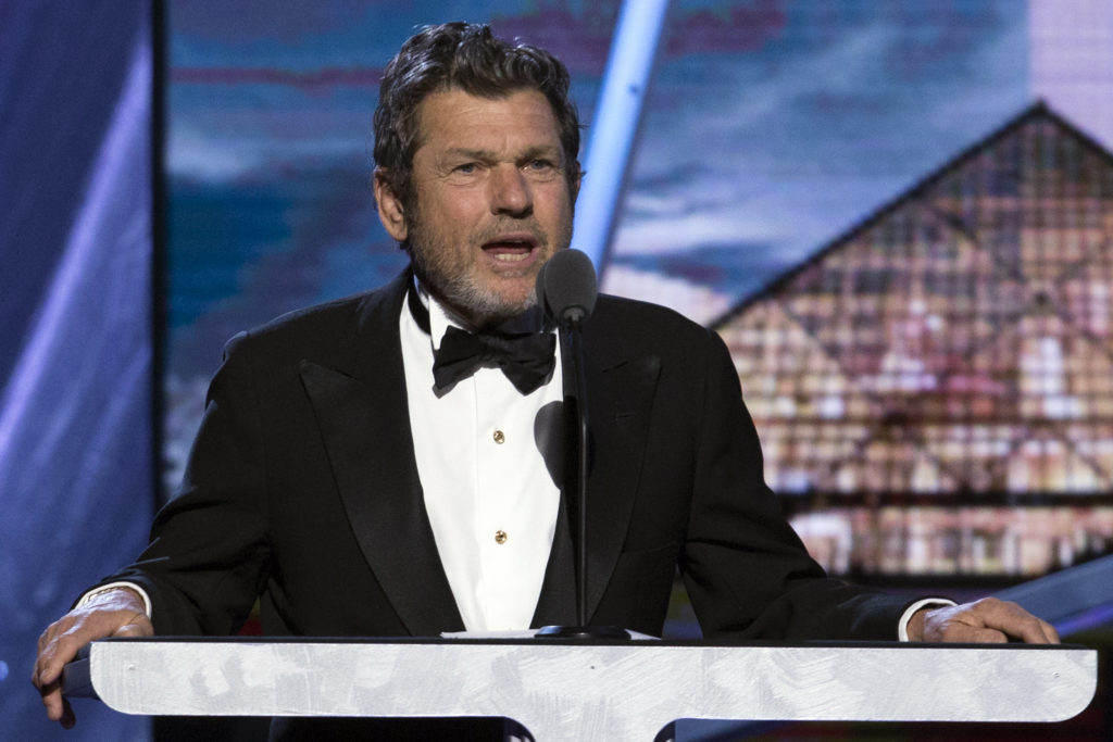 Jann Wenner, co-founder and publisher of Rolling Stone magazine, speaks during the 29th annual Rock and Roll Hall of Fame Induction Ceremony at the Barclays Center in Brooklyn, New York April 10, 2014. REUTERS/Lucas Jackson  (UNITED STATES - Tags: ENTERTAINMENT MEDIA BUSINESS) - GM1EA4B108H01