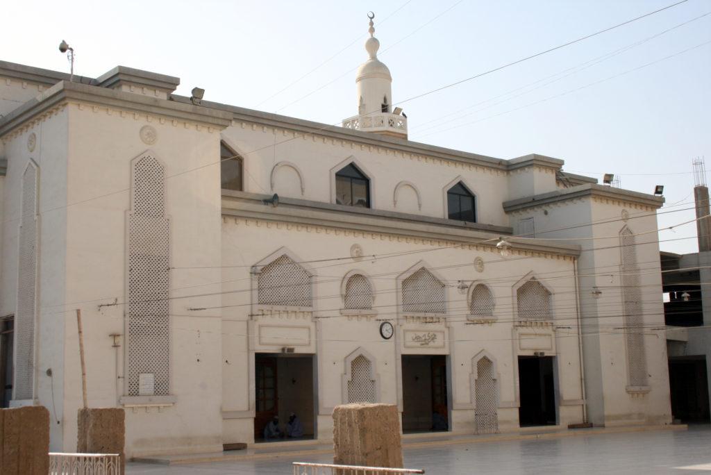 Mosque on the grounds of the Jamia Binoria Madrassa in Karachi. Photo by Larisa Epatko