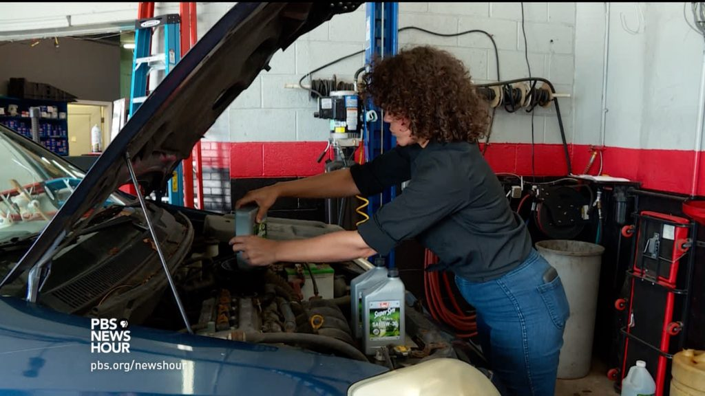 This female operated auto shop puts women in the drivers seat of this female operated auto shop puts women in the drivers seat of their own repairs pbs newshour solutioingenieria Images