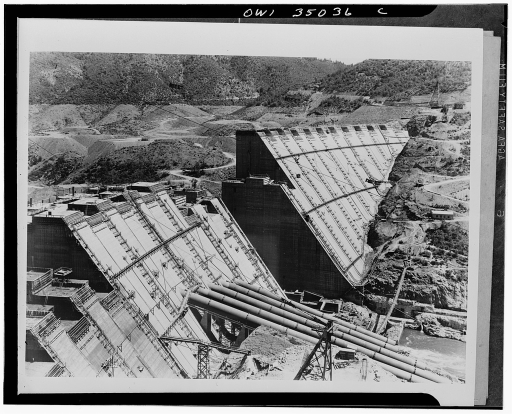 Shasta Dam, California. Shasta Dam under construction. California Shasta County Shasta Dam United States, 1943. Photograph. Retrieved from the Library of Congress