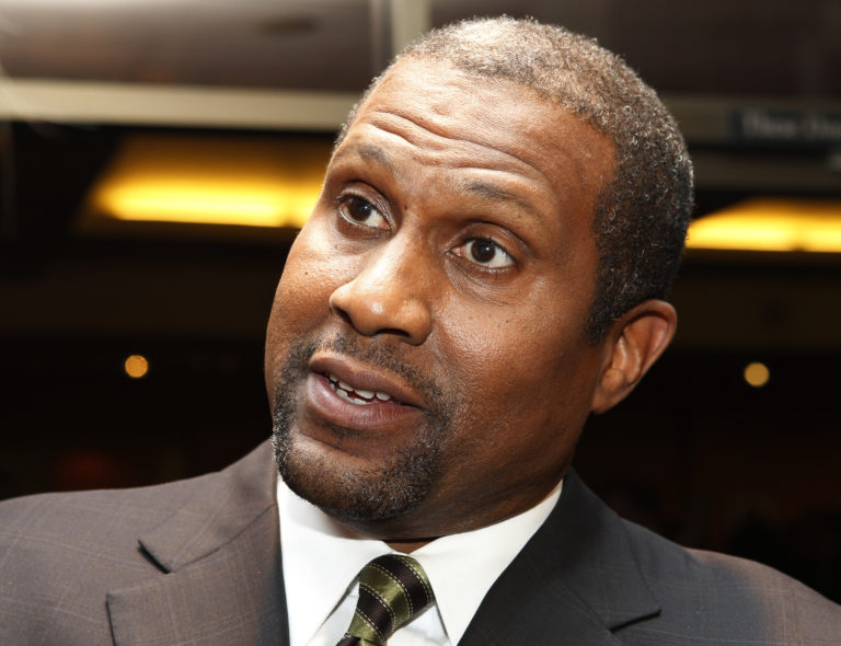 """PBS talk show host Tavis Smiley is interviewed at a screening celebrating the 50th anniversary of the Academy Award winning film """"To Kill A Mockingbird"""" at the Academy of Motion Picture Arts & Sciences in Beverly Hills, California April 11, 2012. REUTERS/Fred Prouser (UNITED STATES - Tags: ENTERTAINMENT HEADSHOT) - GM1E84C142L01"""
