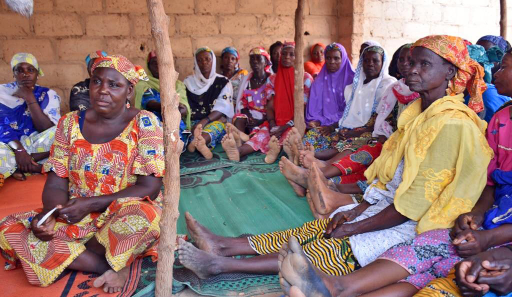 The women meet weekly under the Mata Masu Dubara loan program. It supports joint initiatives, such as a soap-making project in the village of Gidan Dawaye in southern Niger. Photo courtesy of CARE Niger