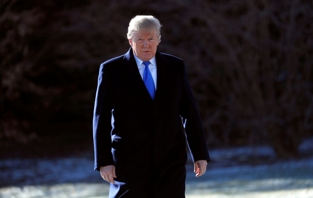U.S. President Donald Trump departs for Camp David from the White House in Washington, U.S., January 5, 2018. REUTERS/Kevin Lamarque - RC13FE6CC360