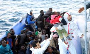 Migrants are rescued by Libyan coast guards off the coast of Garabulli, east of Tripoli, Libya, January 8, 2018. REUTERS/Hani Amara - RC1BF940C650