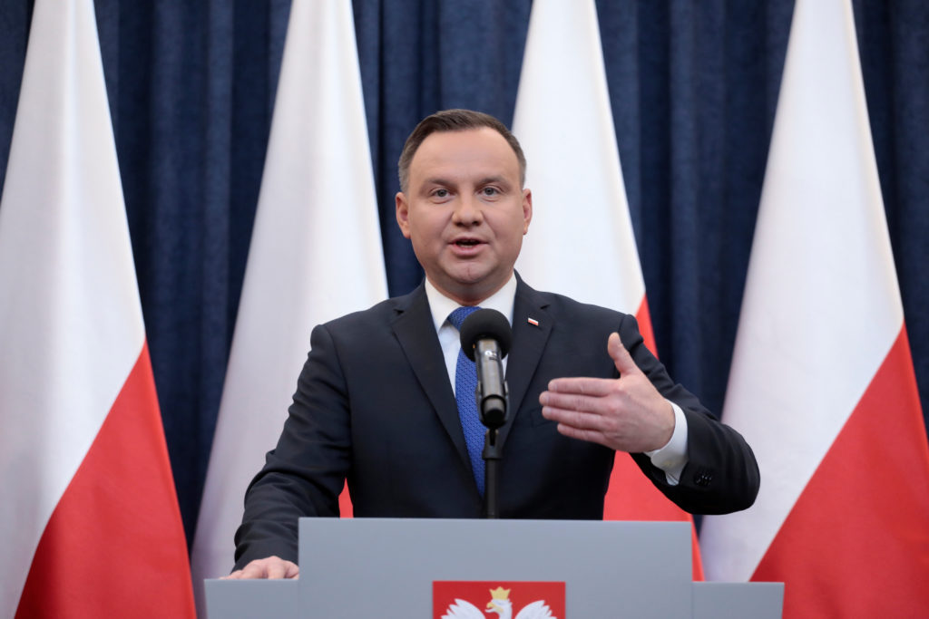Poland's President Andrzej Duda speaks during his media announcement about his decision on the Holocaust bill at Presidential Palace in Warsaw, Poland, February 6, 2018. Agencja Gazeta/Dawid Zuchowicz via  REUTERS ATTENTION EDITORS - THIS IMAGE WAS PROVIDED BY A THIRD PARTY. POLAND OUT. NO COMMERCIAL OR EDITORIAL SALES IN POLAND. - RC1826D9CDD0