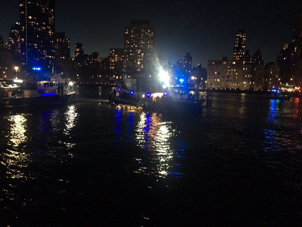 New York City Fire Department responds to a helicopter that crashed into the East River. Photo by New York City Fire Department