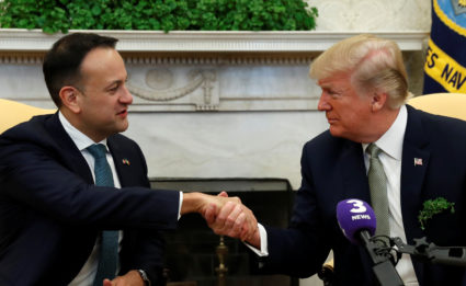 U.S. President Donald Trump meets with Ireland's Prime Minister, Taoiseach Leo Varadkar in the Oval Office of the White House in Washington, U.S., March 15, 2018. REUTERS/Kevin Lamarque - RC1D6C23A9B0