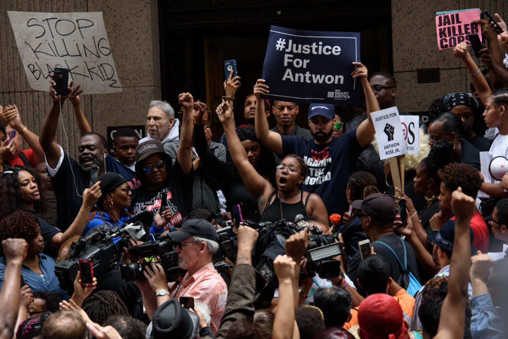 More than 200 people gathered for a rally to protest the fatal shooting of an unarmed black teen at the Allegheny County Courthouse on June 21, 2018 in Pittsburgh, Pennsylvania. Photo by Justin Merriman/Getty Images