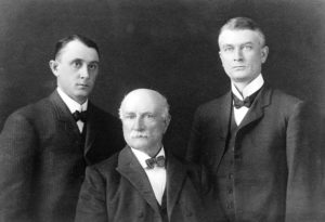 Portrait of William Worrell Mayo and his sons: Charles Mayo (right) and William James Mayo (left) Credit: Wellcome Library, London via Wikimedia Creative Commons.