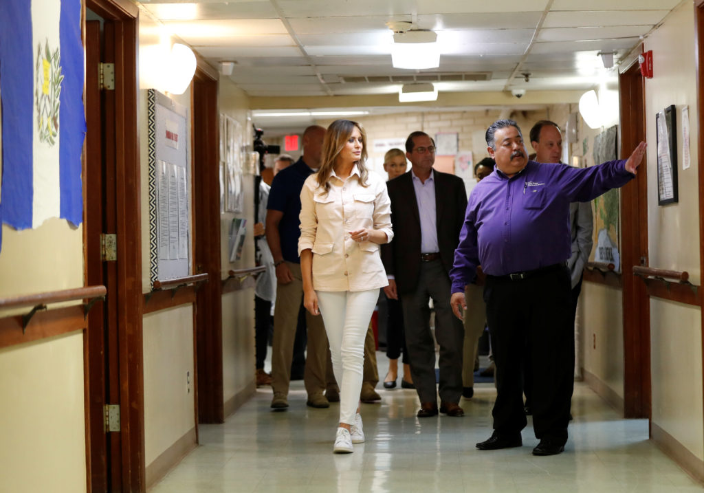 "U.S. first lady Melania Trump tours the Lutheran Social Services of the South ""Upbring New Hope Children's Center"" near the U.S.-Mexico border in McAllen Texas, U.S., June 21, 2018. REUTERS/Kevin Lamarque - RC1316B6E350"