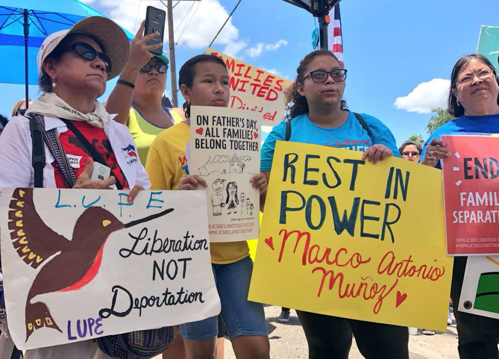 Free our children now' — On the U S -Mexico border