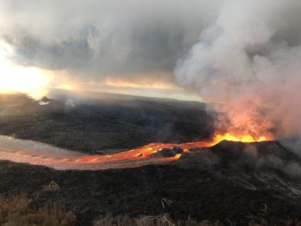 Pāhoehoe flows are those long streams of ribbon-like lava. Photo by U.S. Geological Survey