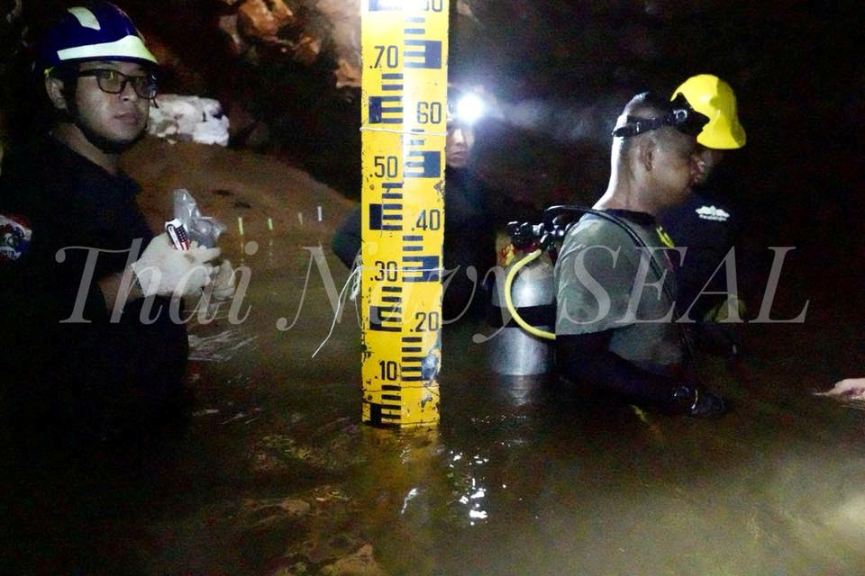 Rescue personnel work at the Tham Luang cave complex, as members of an under-16 soccer team and their coach have been found alive according to local media, in the northern province of Chiang Rai, Thailand July 4, 2018. Photo by Thai Navy Seal via Reuters