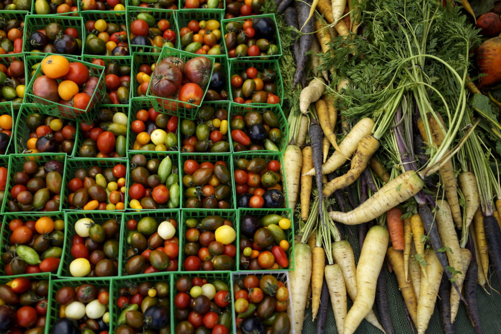 Vegetables are seen at a farmers market in Los Angeles, California. Photo by Lucy Nicholson/Reuters