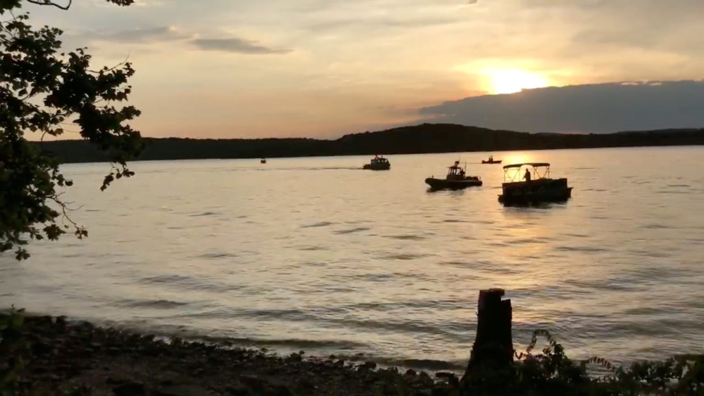 Death Toll From Missouri Duck Boat Accident Climbs To PBS NewsHour - Best place to stay on table rock lake missouri