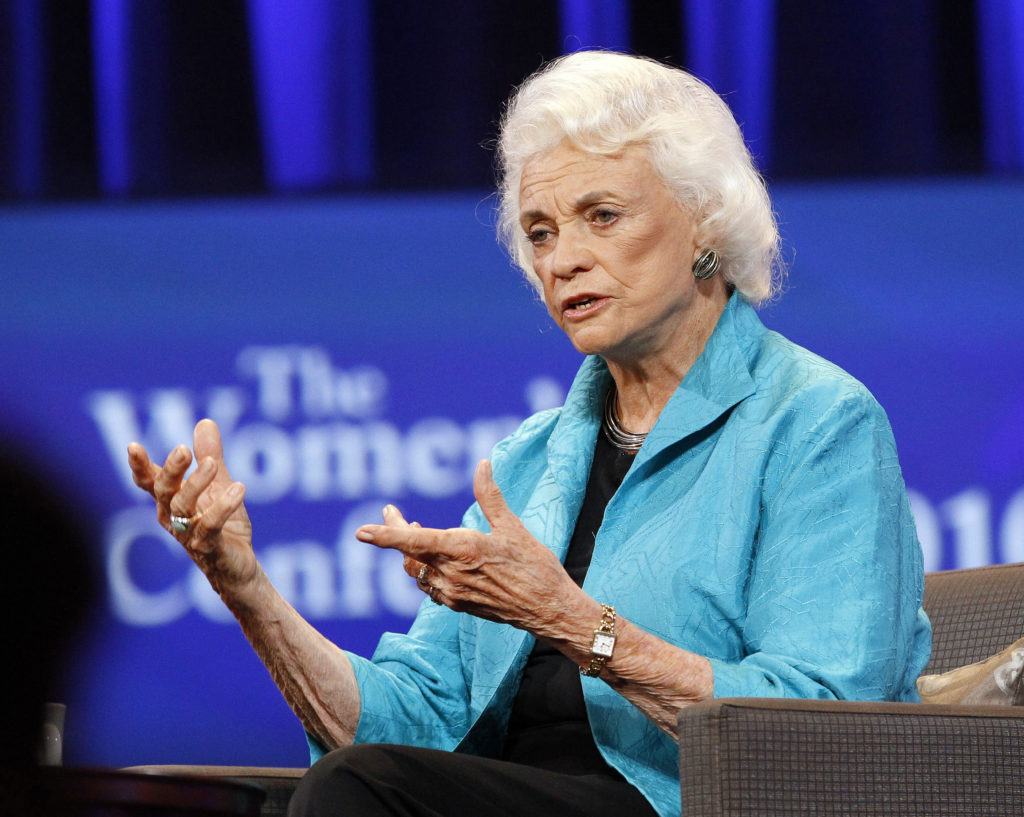 "Former Associate Justice Sandra Day O'Connor speaks during the lunch session of ""The Women's Conference 2010"" in Long Beach, California October 26, 2010.    REUTERS/Mario Anzuoni  (UNITED STATES - Tags: ENTERTAINMENT POLITICS) - GM1E6AR0SDJ01"