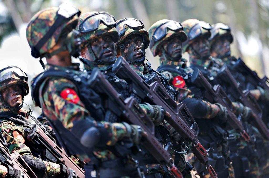 Myanmar military troops take part in a military exercise at Ayeyarwaddy delta region in Myanmar, February 3, 2018. REUTERS/Lynn Bo Bo/Pool