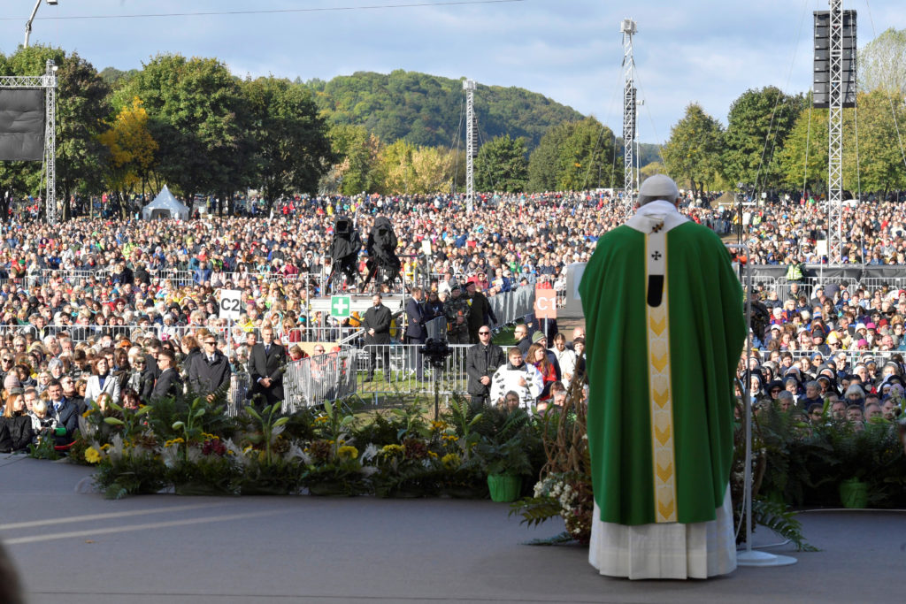 Pope Francis celebrates a Holy Mass in Kaunas, Lithuania September 23, 2018. Vatican Media Handout via Reuters
