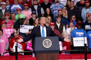 U.S. President Donald Trump speaks at a campaign rally in Charlotte, North Carolina U.S., October 26, 2018. REUTERS/Kevin Lamarque - RC1B29168DE0