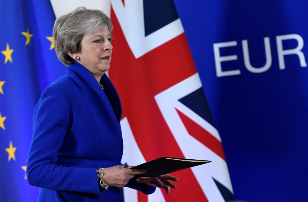 Britain's Prime Minister Theresa May arrives at a news conference after an extraordinary EU leaders summit to finalise and formalise the Brexit agreement in Brussels, Belgium November 25, 2018. Photo by Piroschka van de Wouw/Reuters