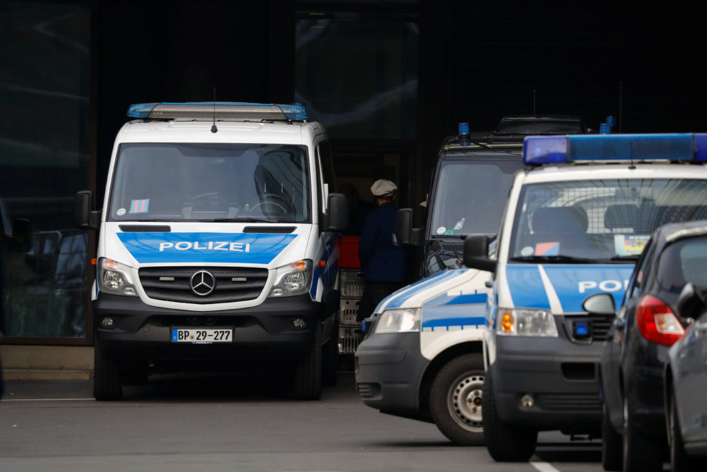 863091c818 Police raid Deutsche Bank headquarters as part of Panama Papers money  laundering investigation
