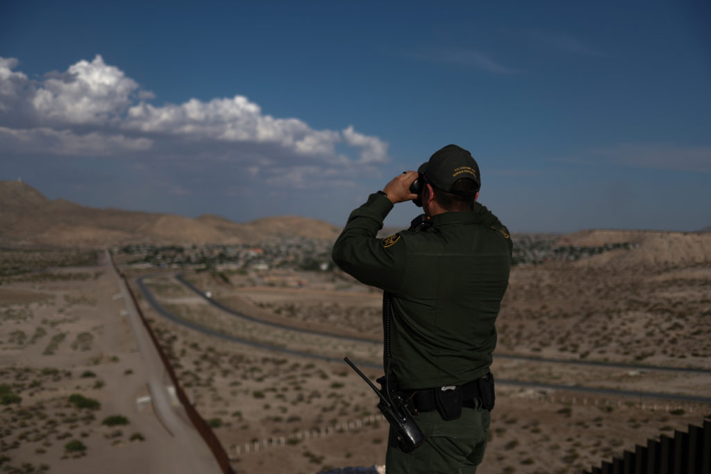 U.S. officials baffled by large migrant groups flocking to remote New Mexico border crossing