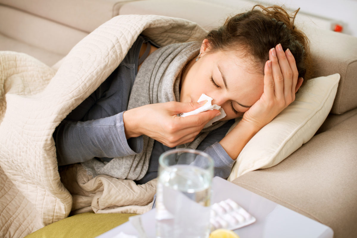 How long do cold and flu viruses stay contagious on public