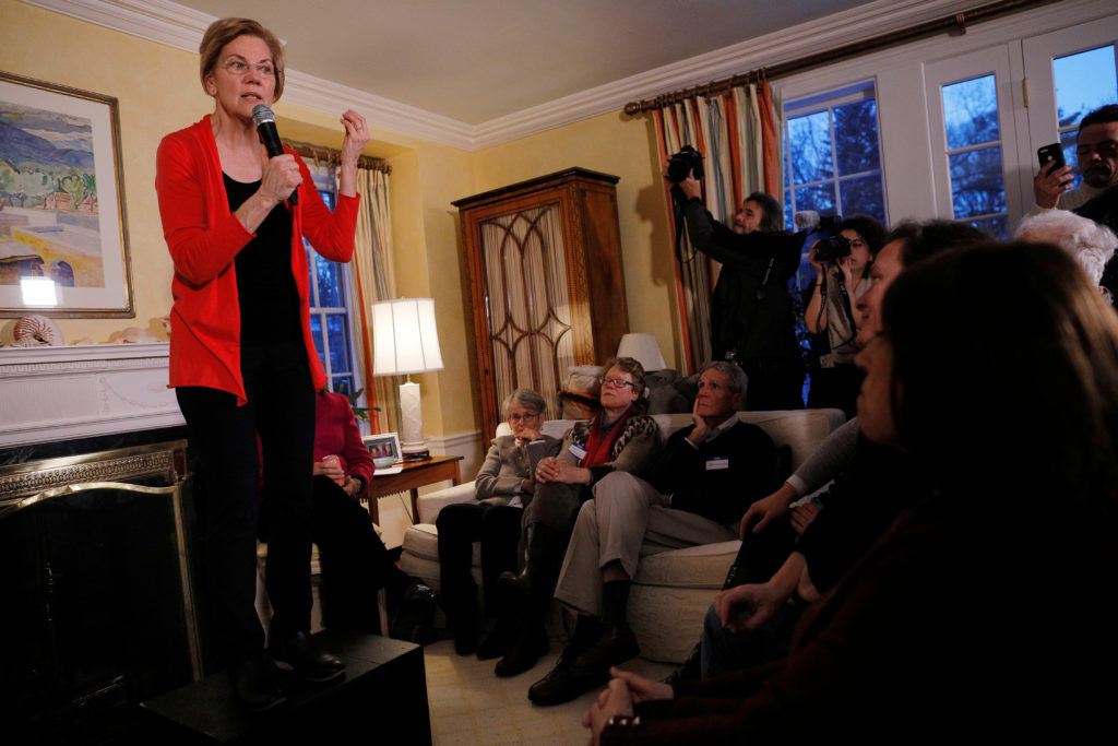 Potential 2020 Democratic presidential candidate U.S. Senator Elizabeth Warren (D-MA) speaks at a house party in Concord, New Hampshire, U.S., January 12, 2019.   REUTERS/Brian Snyder - RC1379342700