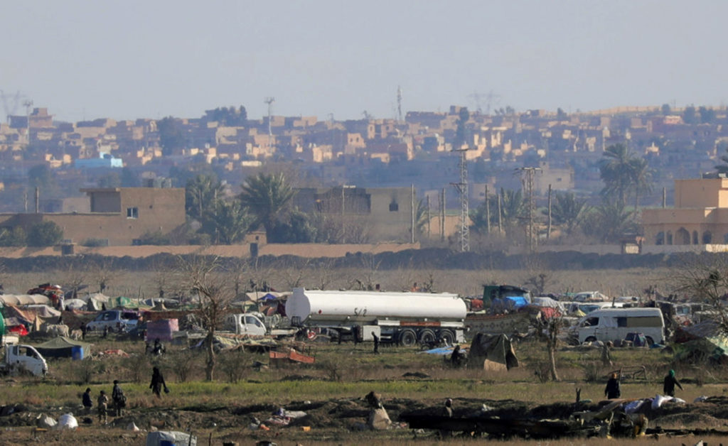 More than 150 Islamic State militants handed over to Iraq from Syria