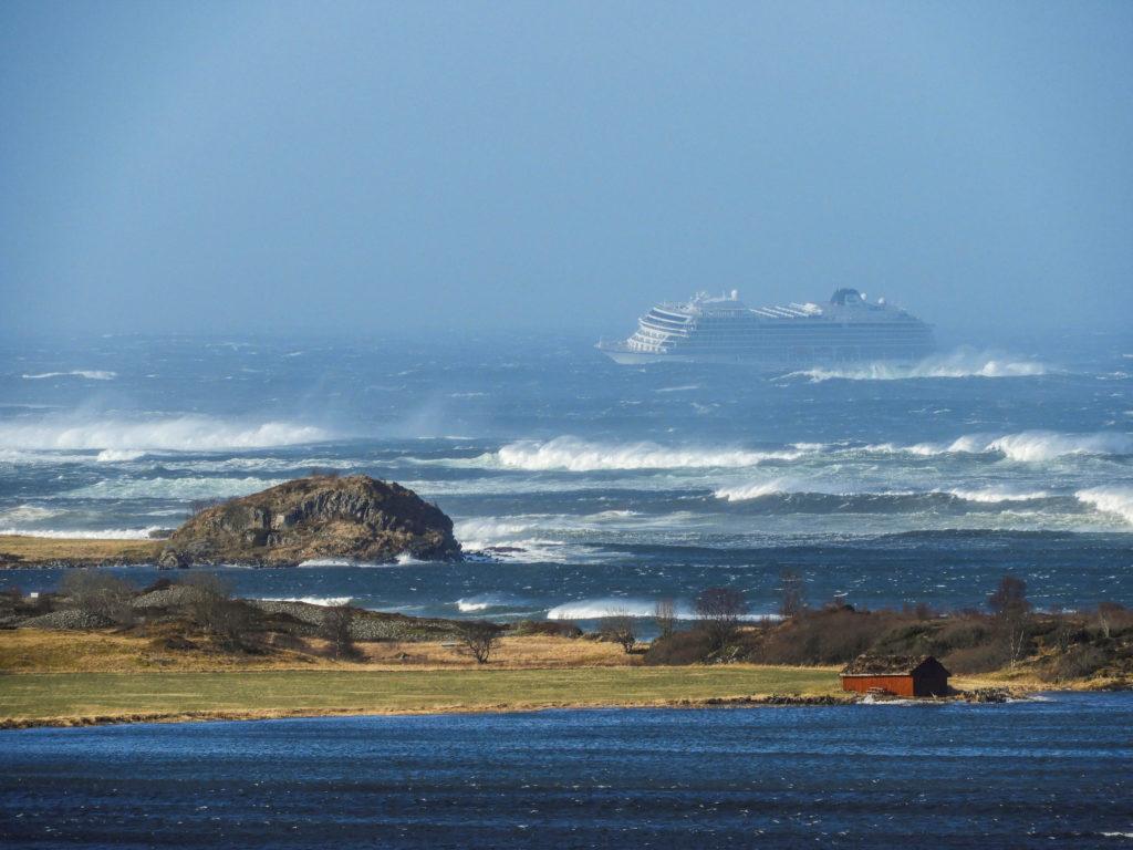 A cruise ship Viking Sky drifts towards land after an engine failure, Hustadvika, Norway March 23, 2019. Frank Einar Vatne/NTB Scanpix/via Reuters