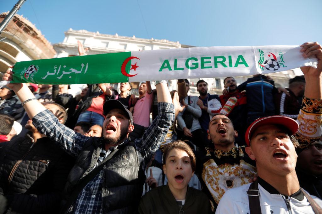 People protest against President Abdelaziz Bouteflika's plan to ext…
