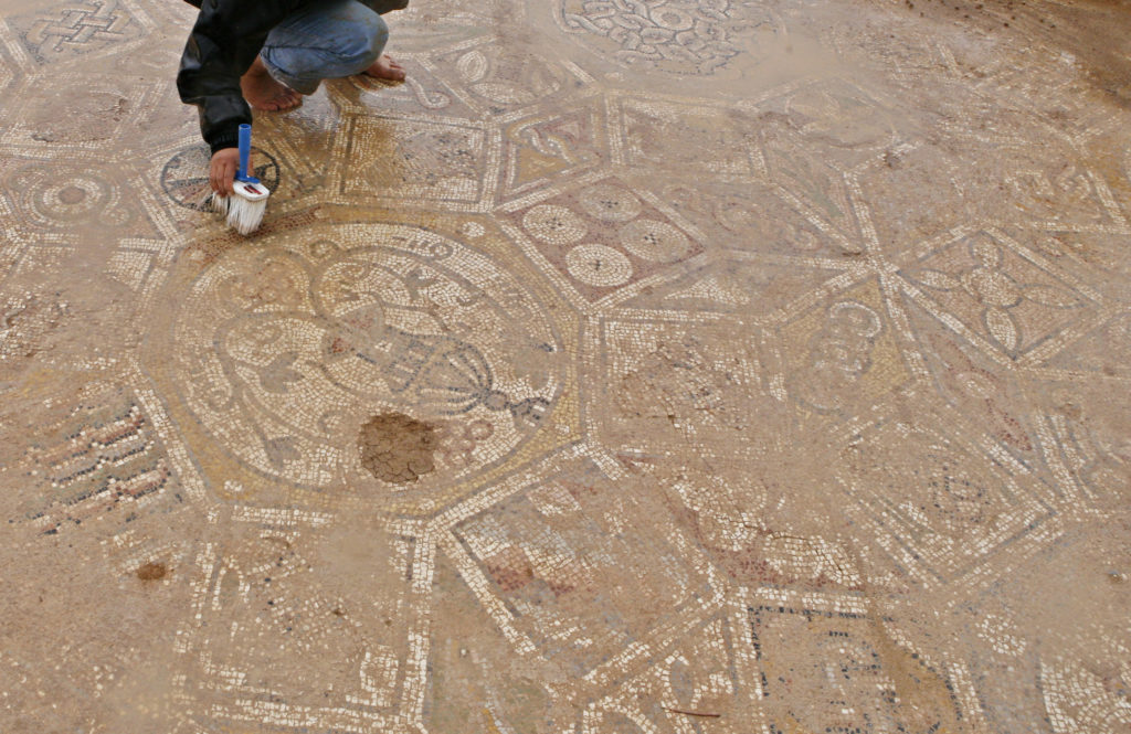 Why it's so hard to grasp the sum of the Islamic State's archaeological looting