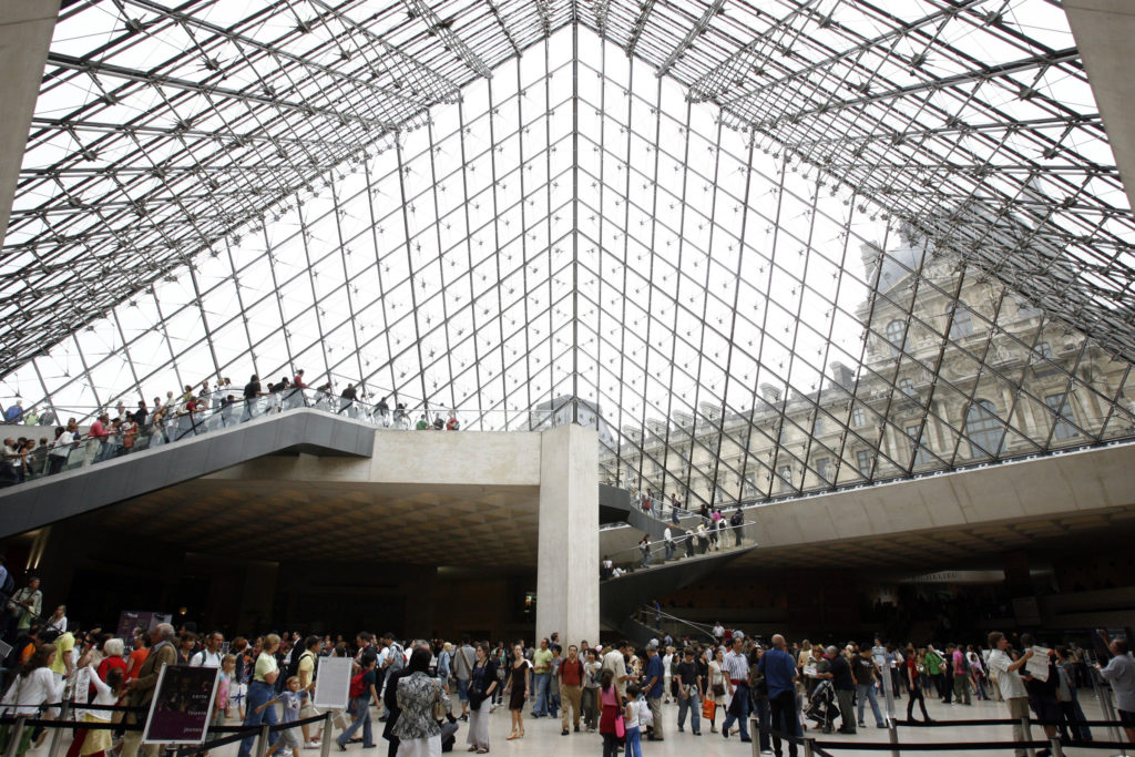 IM Pei, architect who designed Louvre Pyramid, dies at 102