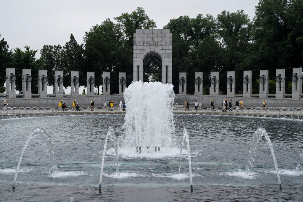 World War II veterans take part in a special Memorial Day Observance at the National World War II Memorial to pay tribute to the more than 400,000 servicemen and women who lost their lives during the war, in Washington, May 28, 2018. Photo by Toya Sarno Jordan/Reuters