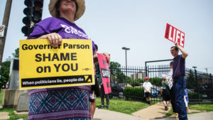 Abortion rights and anti-abortion demonstrators protest outside of Planned Parenthood as a deadline looms to renew the license of Missouri's sole remaining Planned Parenthood clinic in St. Louis, Missouri, on May 31, 2019. Photo by Lawrence Bryant/Reuters