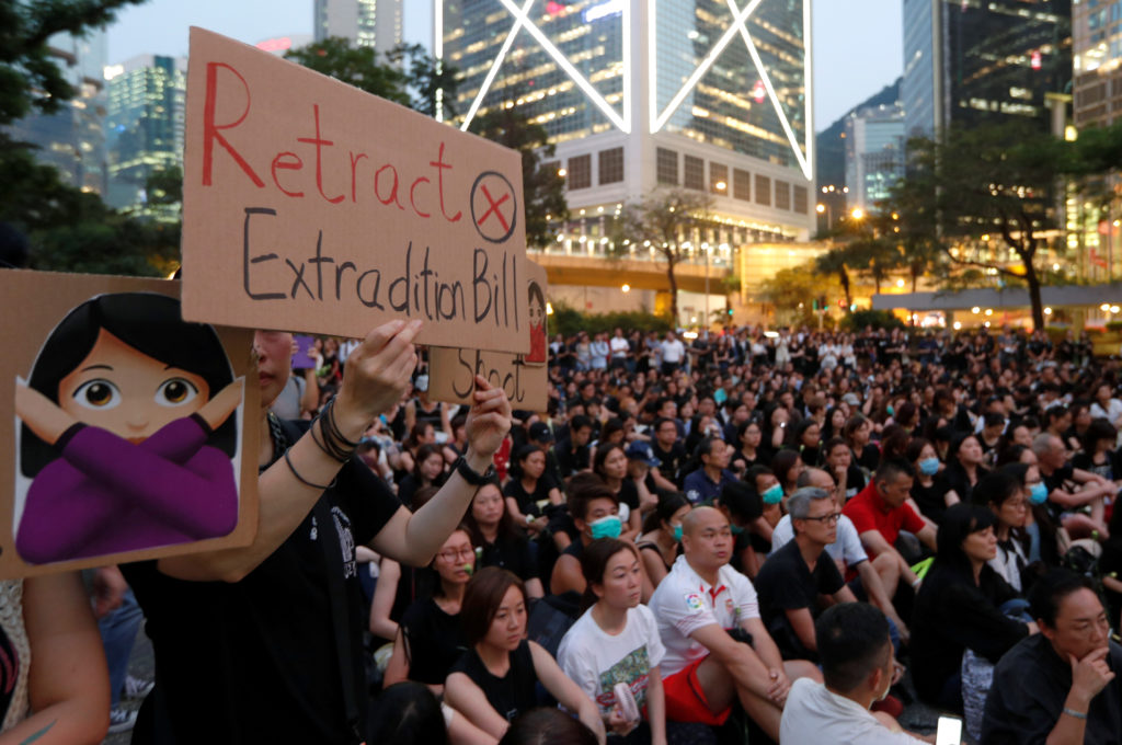 Calls mount for compromise over Hong Kong extradition bill