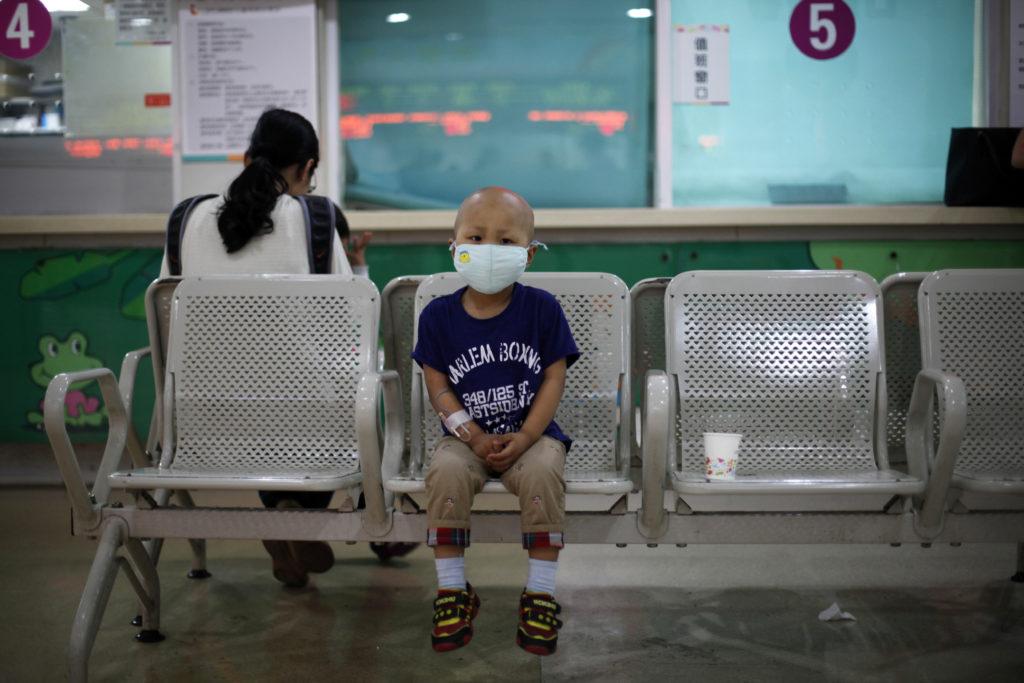 Four-year-old Niuniu, who has late-stage neuroblastoma, a malignant…