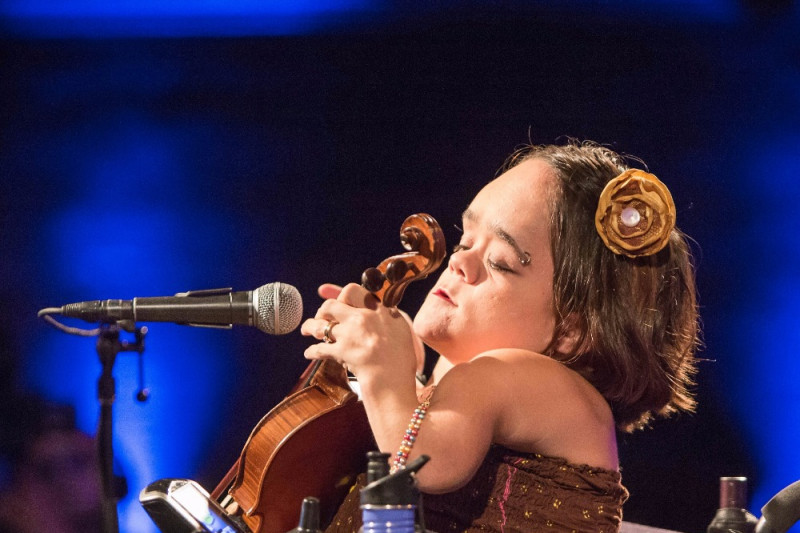 How violinist Gaelynn Lea is redefining who can be a musician