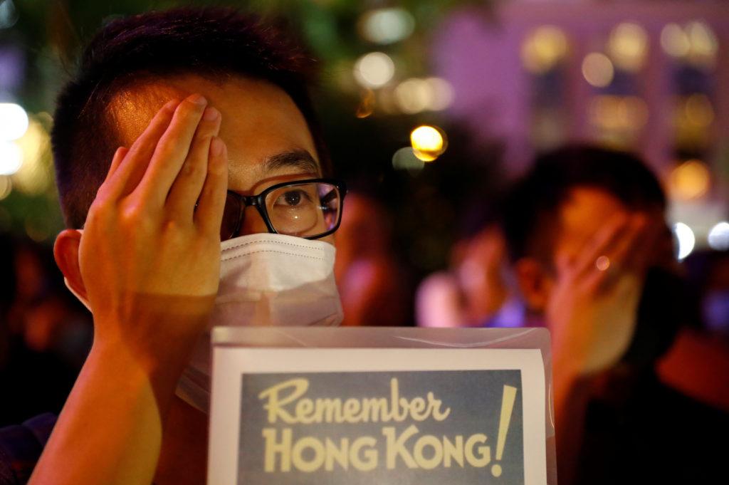 News Wrap: Hong Kong officials move to deny new protests