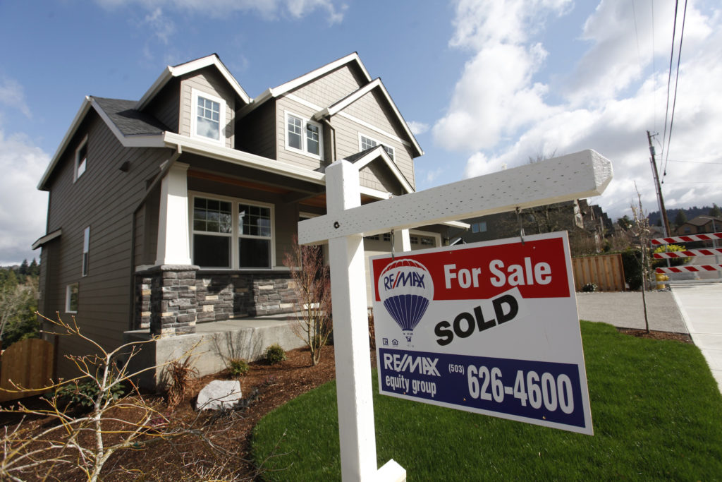 Mortgage buyer Freddie Mac said Thursday the average rate on the 30-year mortgage dropped to 3.60% from 3.75% last week. A...