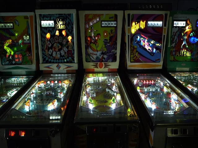 Finding your game at the Pinball Hall of Fame