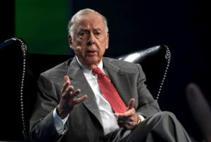 T. Boone Pickens, CEO of BP Capital, speaks on a panel at the annual SkyBridge Alternatives Conference (SALT) in Las Vegas May 7, 2015. Photo by: Rick Wilking/Reuters