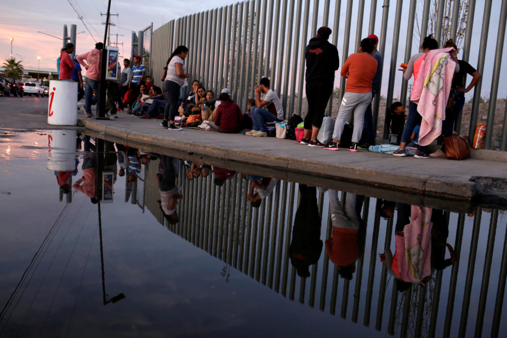 FILE PHOTO: Mexican citizens fleeing violence, camp in a queue to try to cross into the U.S. to apply for asylum at Cordova-Americas border crossing bridge in Ciudad Juarez, Mexico September 22, 2019. Photo by Jose Luis Gonzalez/Reuters