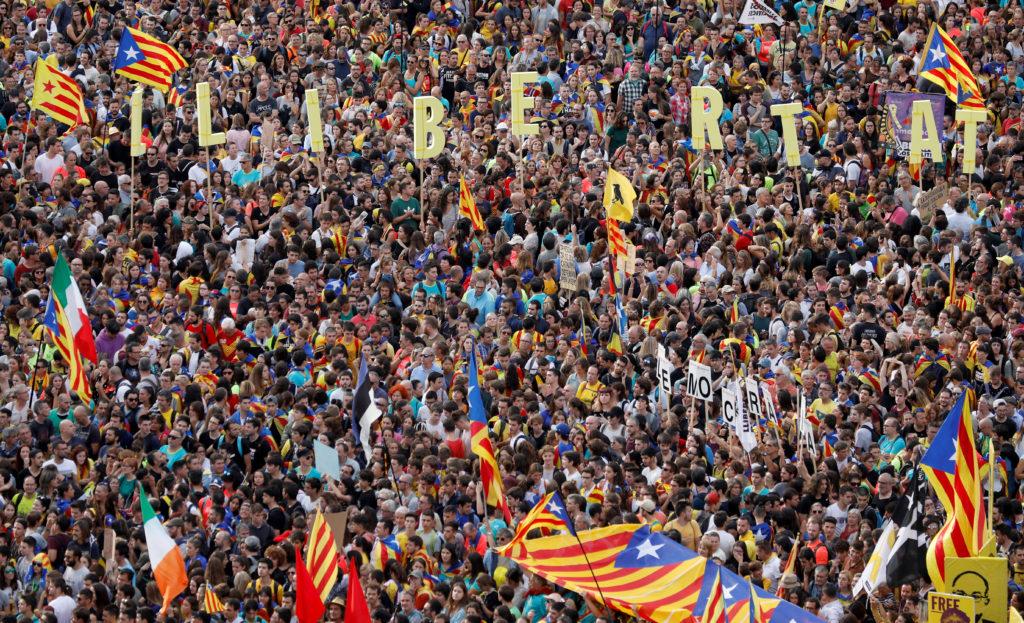 Catalan demonstrators gather on Paseo de Gracia Avenue during Catalonia's general strike in Barcelona, Spain, October 18, 2019. Photo by Rafael Marchante/Reuters
