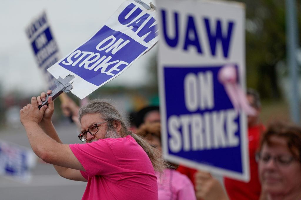 General Motors assembly workers picket outside the General Motors B…