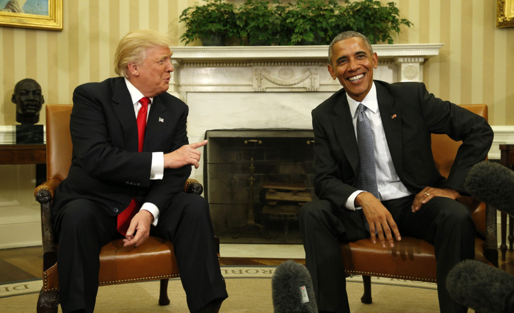 U.S. President Barack Obama meets with President-elect Donald Trump (left) to discuss transition plans in the White House Oval Office in Washington, U.S., November 10, 2016. Photo by REUTERS/Kevin Lamarque