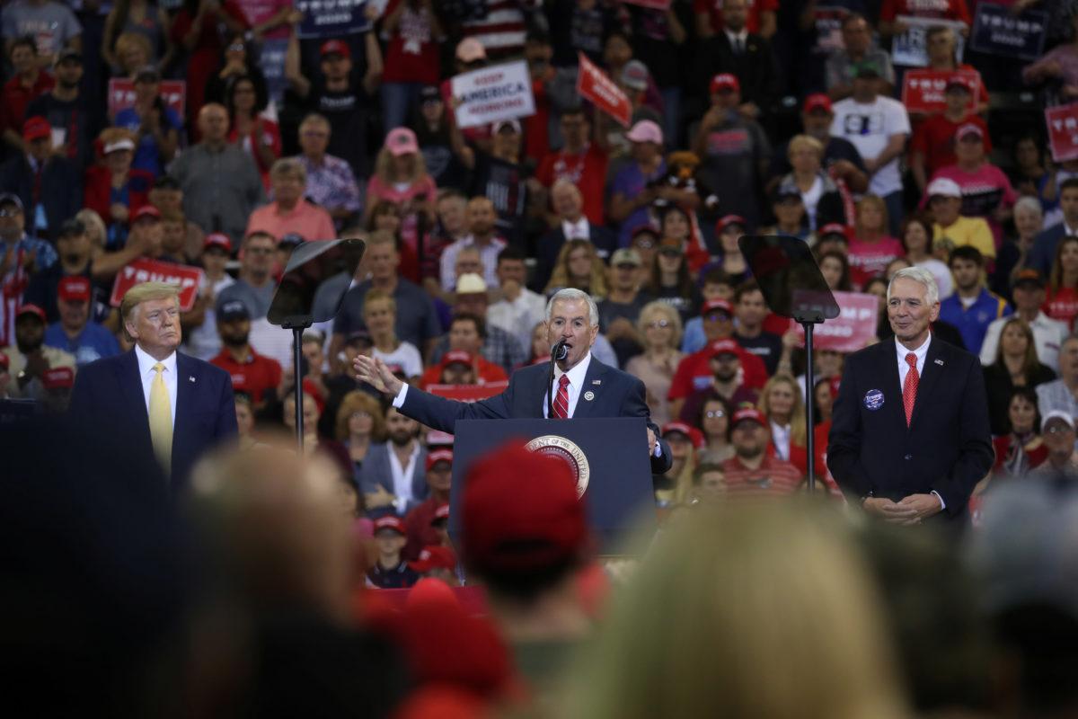 Texas Neighbors Will Hold Gubernatorial Runoff