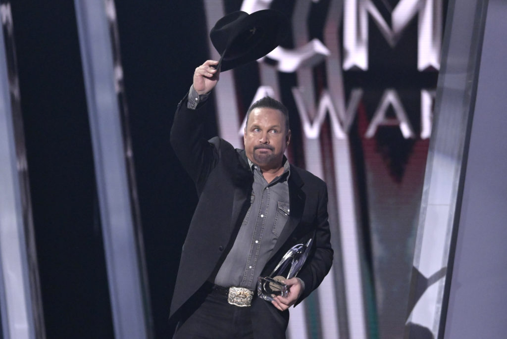 Garth Brooks accepts the award for entertainer of the year at the 53rd Annual CMA Awards in Nashville, Tennessee on Nov. 13, 2019. Photo by Harrison McClary/Reuters
