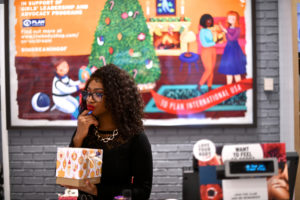 The Body Shop employee Coretta Pinson rings up merchandise at the cash register as pre-Thanksgiving and Christmas holiday shopping accelerates at the King of Prussia Mall in King of Prussia, Pennsylvania, U.S. November 22, 2019. Photo by Mark Makela/Reuters