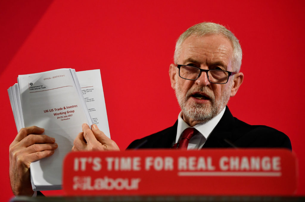 Britain's opposition Labour Party leader Jeremy Corbyn speaks during a general election campaign event in London, Britain November 27, 2019. Photo by Toby Melville/Reuters
